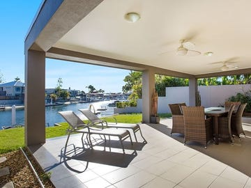 16 The Promenade, Isle Of Capri, Qld 4217