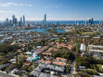 2/9 Esther Place, Surfers Paradise, Qld 4217 - Townhouse for