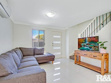 2/10 Brisbane Street, Oxley Park, NSW 2760