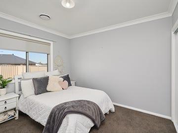 18 Beetson Street, Boorooma, NSW 2650