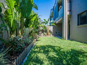 2/220 Oxley Avenue, Margate, Qld 4019