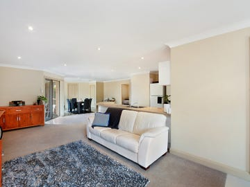 2/293 Pacific Highway, Belmont North, NSW 2280
