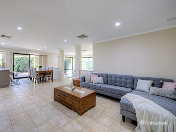 38 Regency Ramble, Wattle Grove, WA 6107