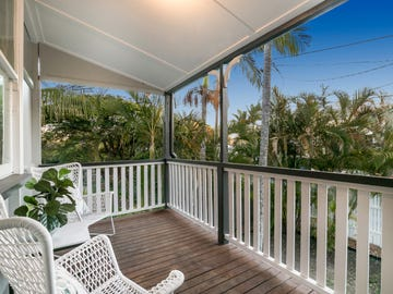 18 Luya Street, Fairfield, Qld 4103