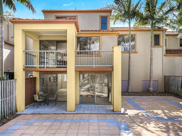 92/20 Fairway Drive, Clear Island Waters, Qld 4226