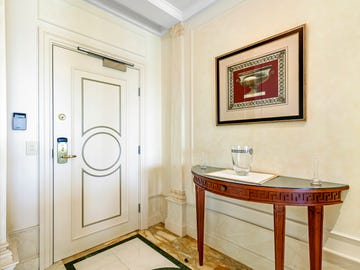 Condo 72 Palazzo Versace, 94 Seaworld Drive, Main Beach, Qld 4217