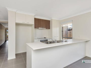 27 Seabright Circuit, Jacobs Well, Qld 4208