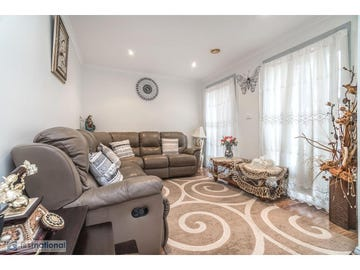 10  MacKellar Drive, Roxburgh Park, Vic 3064