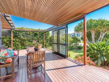 11 Mia Court, Ocean Shores, NSW 2483