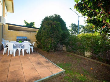 1/206-208 Queen Street, Southport, Qld 4215