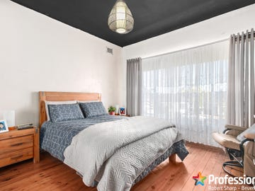 8 Pineview Avenue, Roselands, NSW 2196