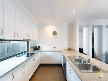 7 Arthur Terrace, Moggill, Qld 4070