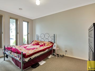 2/74 Westmeadows Lane, Truganina, Vic 3029
