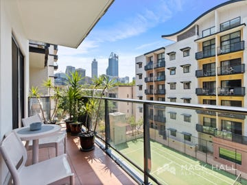 30/128 Mounts Bay Road, Perth, WA 6000
