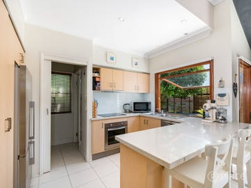 14 Wordsworth Street, Norman Park, Qld 4170