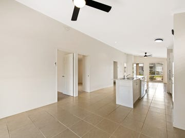 Villa 182/97-161 Hogg Street, Cranley, Qld 4350