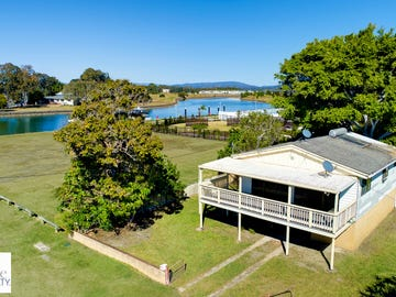 13 Nelson Avenue, Hope Island, Qld 4212