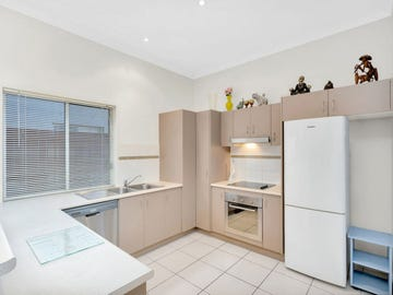 21/2 Toohey Street, Pacific Pines, Qld 4211