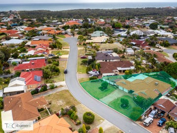 2 Pepperwood Rise, Halls Head, WA 6210