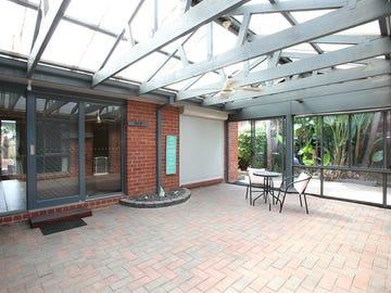 5 Lindenow Court, Cranbourne North, Vic 3977
