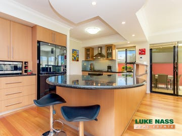 8 Challenger Place, Melville, WA 6156