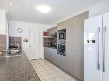 37 Eimeo Place, Sandstone Point, Qld 4511
