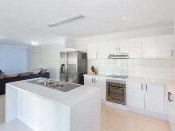 24 Makepeace Place, Bellbowrie, Qld 4070