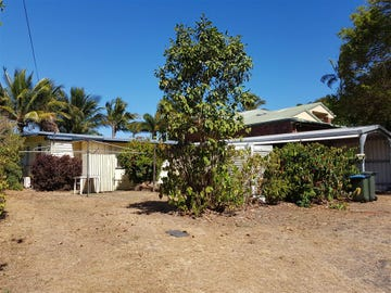 22 Elizabeth Street, Flying Fish Point, Qld 4860