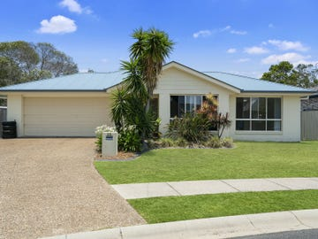 52 Corrimal Place, Sandstone Point, Qld 4511