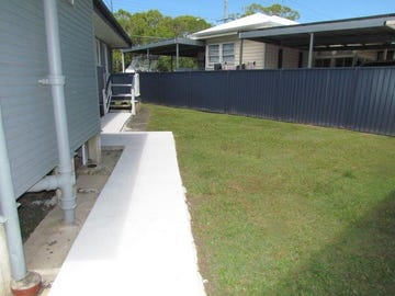 33 Scarborough Road, Redcliffe, Qld 4020