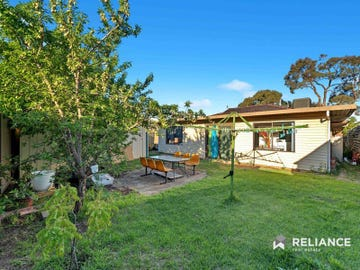 2 Bolger Crescent, Hoppers Crossing, Vic 3029