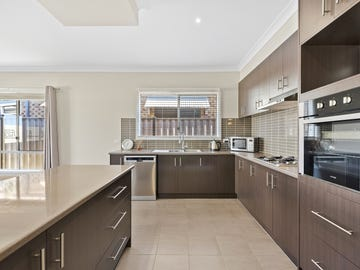 1/2 Drysdale Place, Brookfield, Vic 3338