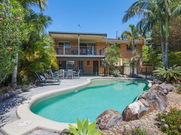 1 Vaggelas Crescent, Biggera Waters, Qld 4216