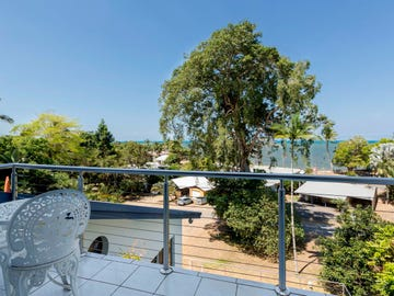 12 Little Maria Street, Flying Fish Point, Qld 4860