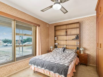 11 Elizabeth Road, Christie Downs, SA 5164