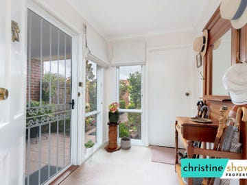 5/4 Clamp Place, Greenway, ACT 2900