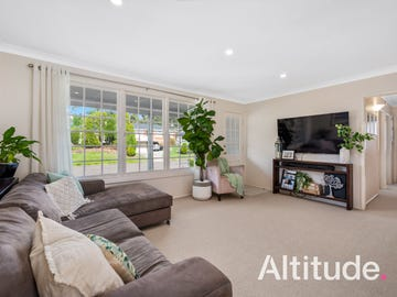4 Monterey Avenue, Macquarie Hills, NSW 2285
