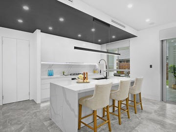102 Macksville Street, Carnes Hill, NSW 2171