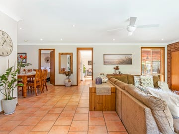 61 River Road, Lake Tabourie, NSW 2539