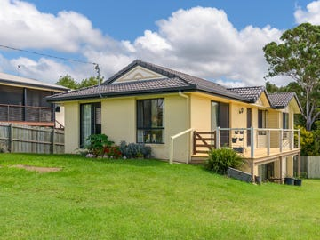 16 Browns Road, Victory Heights, Qld 4570