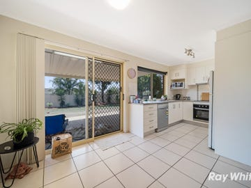 77 Middle Road, Hillcrest, Qld 4118