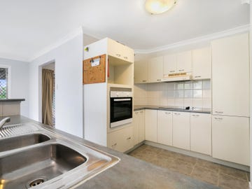 77 Gibson Crescent, Bellbowrie, Qld 4070