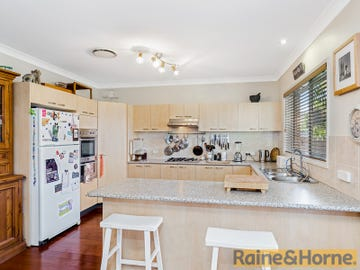 10 Softwood Avenue, Beaumont Hills, NSW 2155