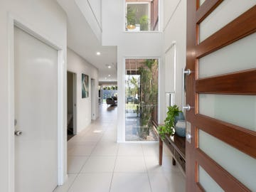 30 Elaroo Street, Morningside, Qld 4170