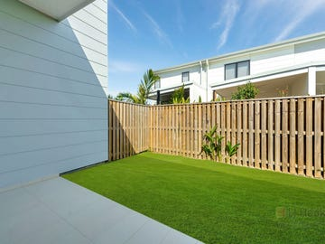 4 Sorrento Street, Hope Island, Qld 4212