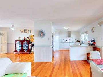 10 Managers Court, Jones Hill, Qld 4570