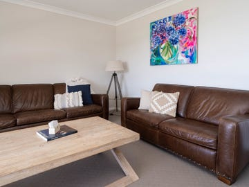 59 Kaloona Drive, Bourkelands, NSW 2650