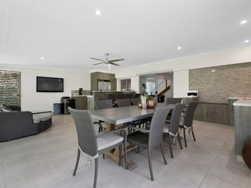 69 Main Avenue, Wavell Heights, Qld 4012