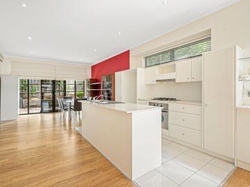 6/25 Clay Drive, Doncaster, Vic 3108