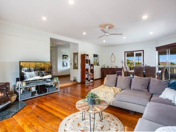 22 Armstrong Way, Highland Park, Qld 4211
